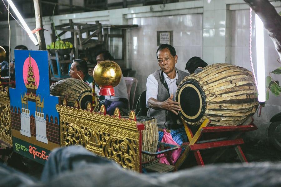 Mandalay-PagodaFestival-017