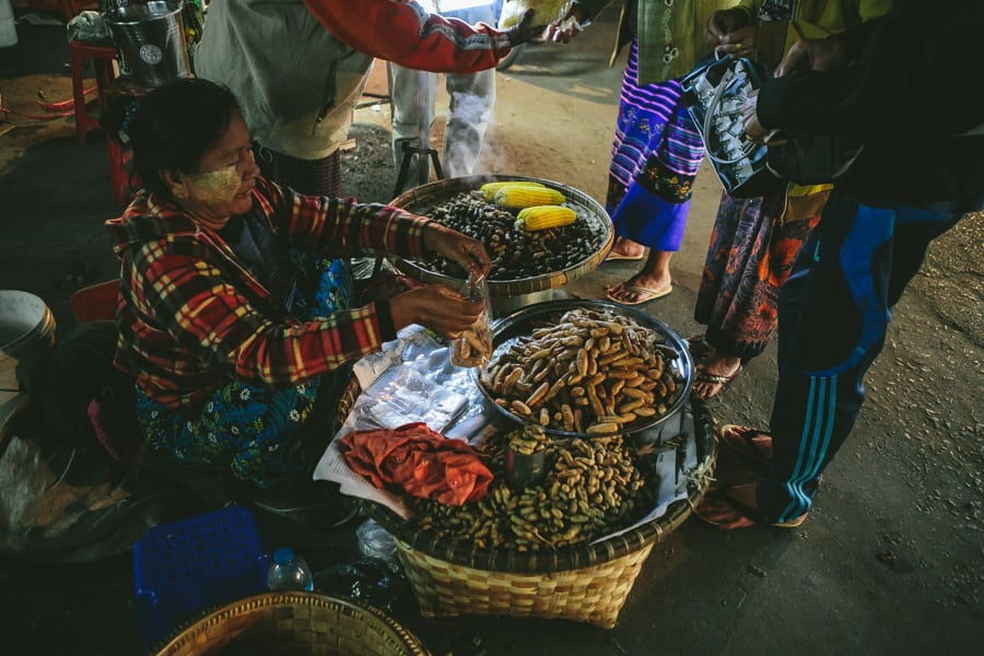 Mandalay-PagodaFestival-026