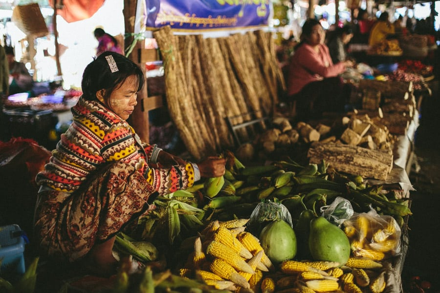 MarketDayInBagan-022